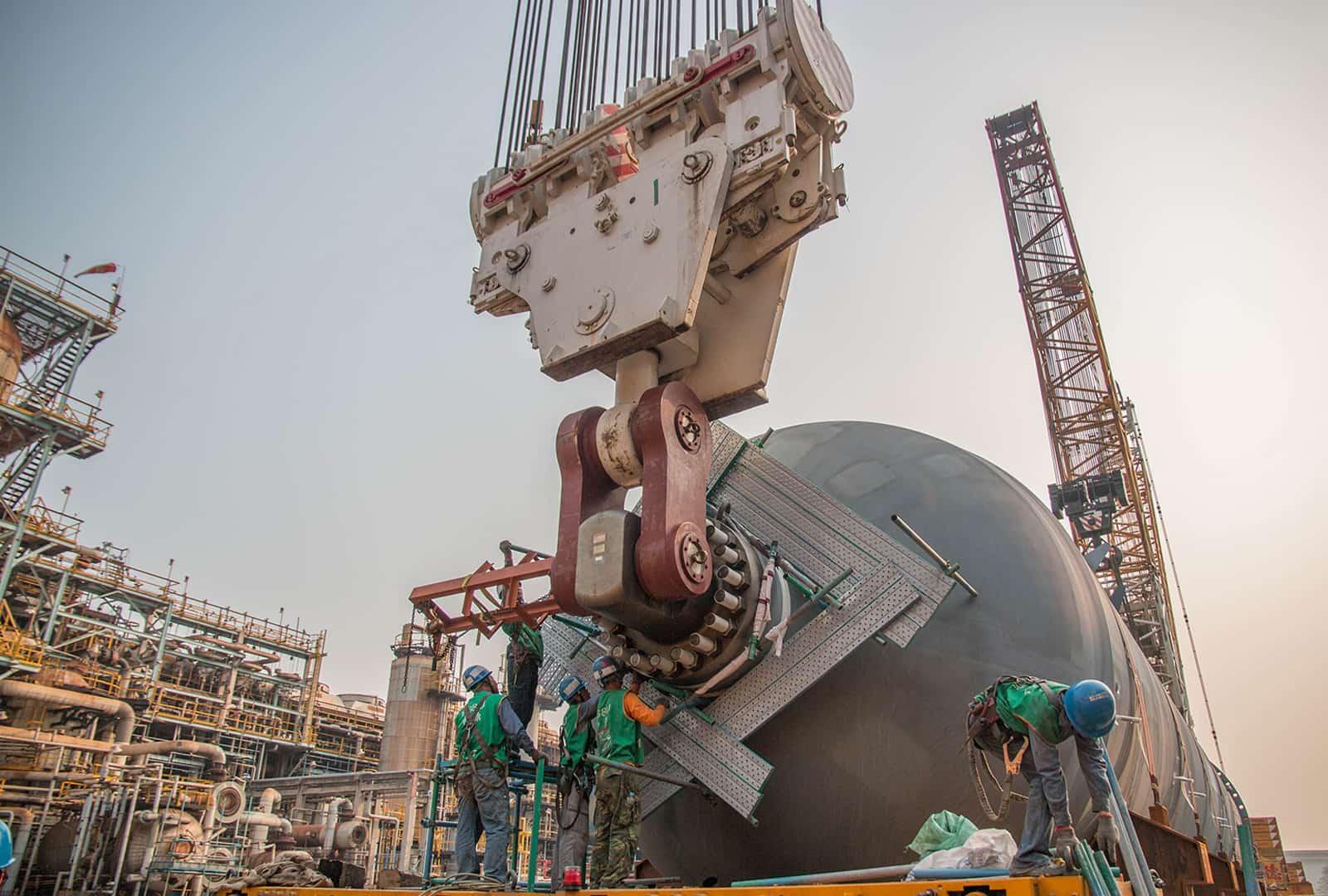 大林煉油廠1600T&750T反應器吊裝